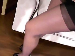 Stocking Feet Taunt