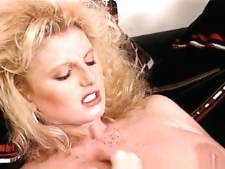 Horny Lesbos Eating Hairy Vaginas