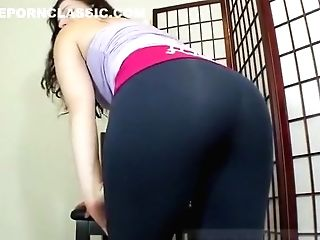 Woman Yoga Pants Workout Farts